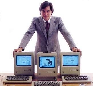 Steve_jobs_with_macs